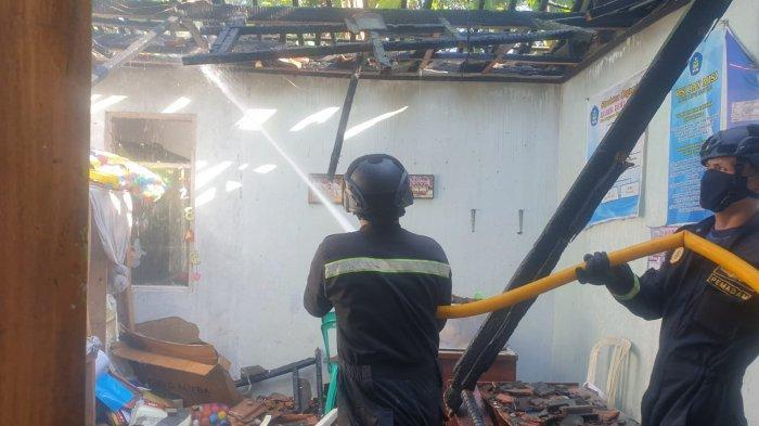 Gara-gara Pembakaran Sampah, Madrasah di Desa Linggasana Kuningan Terbakar, Ini Nilai Kerugiannya
