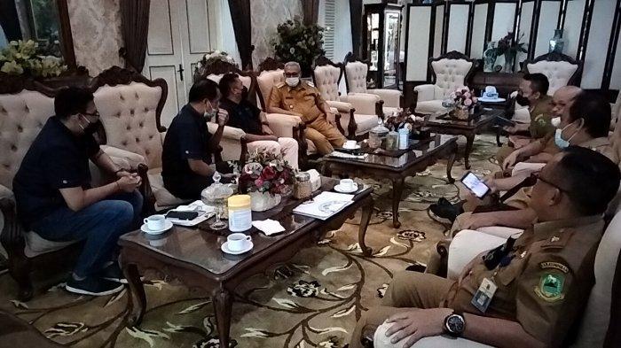Bupati Kuningan Acep Purnama Sambut Silaturahmi Manajemen Tribun Jabar dan TribunCirebon.com