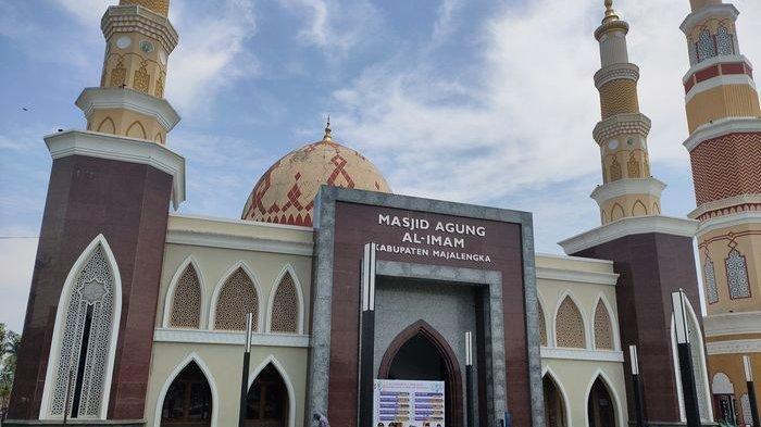 Masjid Agung Al-Imam Majalengka Bakal Gelar Salat Gerhana Bulan Total Nanti Malam