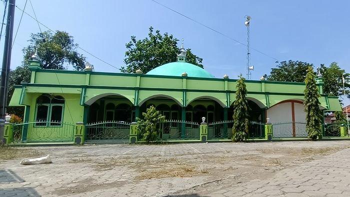Di Masjid Indramayu Ini Ada Pantangan Menabuh Bedug, Jika Ditabuh Buaya Akan Datang