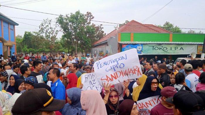 Pedagang di Pasar Baru Indramayu Ancam Akan Bawa Rombongan 3 Bus Datangi PTUN Bandung
