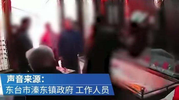 ANAK Ngamuk dan Banting Mayat Sang Ayah Secara Brutal Terekam CCTV, Terungkap Penyebab Sebenarnya