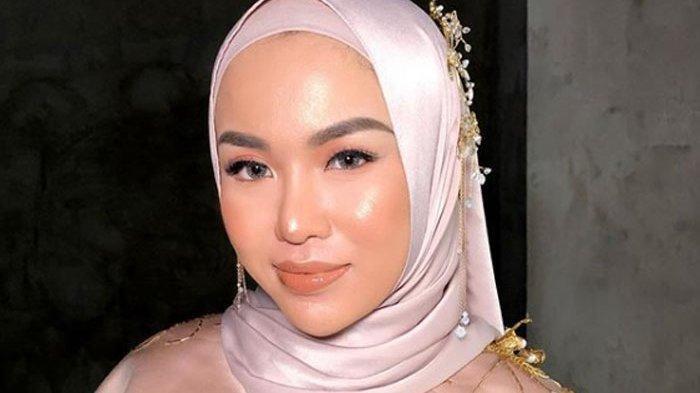 Medina Zein Unggah Pesan Pilu dan Permohonan Maaf di Instagram, Dikomentari Sejumlah Artis