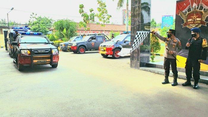 Polresta Cirebon dan Batalyon C Pelopor Satbrimob Polda Jabar Distribusikan 400 Paket Sembako