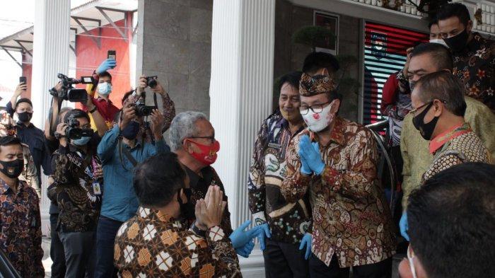 Tanpa Alat Cek Suhu Tubuh, Agenda Peluncuran Gerakan Sejuta Masker Oleh Mendagri Tetap Berjalan