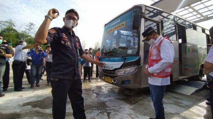 Tinjau Terminal Tipe A Harjamukti Cirebon, Menhub RI Dapat Surprise Alat Uji KIR Mobile