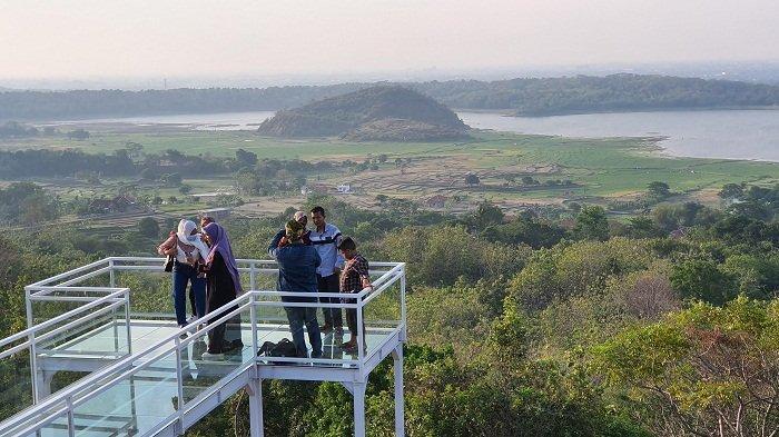 Weekend Ini Liburan ke Bukit Antigalau Yuk, Anda Bisa Menikmati Indahnya Pemandangan Cirebon