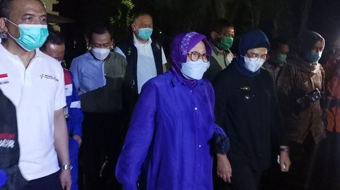 Buntut Kebakaran Kilang Pertamina di Indramayu, 923 Jiwa Mengungsi, Risma Kunjungi Posko Pungungsi