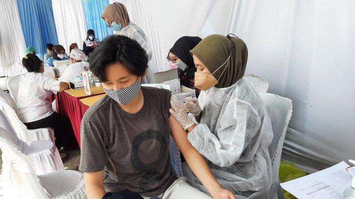 Remaja di Cirebon Antusias Ikut Vaksinasi Covid-19 di Rupbasan Kelas I, Biar Bisa Main ke Mall