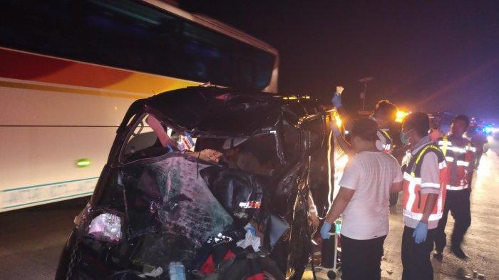 Kecelakaan Maut di Ruas Jalan Tol Cipali KM 89, Minibus Tabrakan, Satu Tewas dan 9 Luka-luka