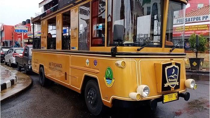 Cukup Bayar Rp 20 Ribu, Mobil Wisata Dalam Kota Kuningan Antar Pengunjung Ke Sejumlah Tempat Ini