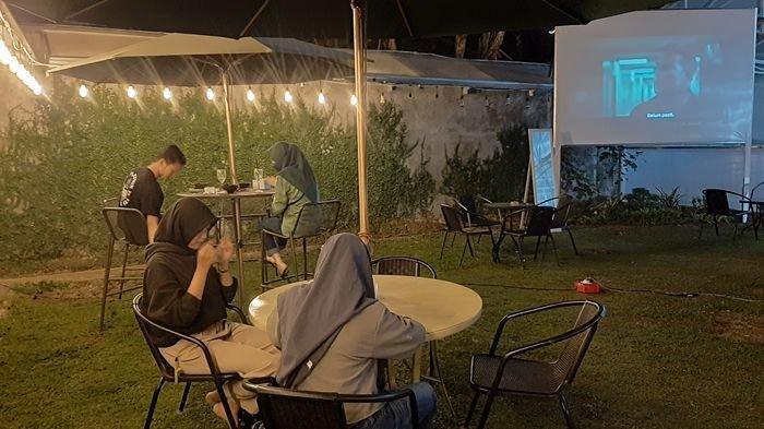 Serunya Malam Mingguan Sambil Menikmati Movie Night di GH Kopi Cirebon