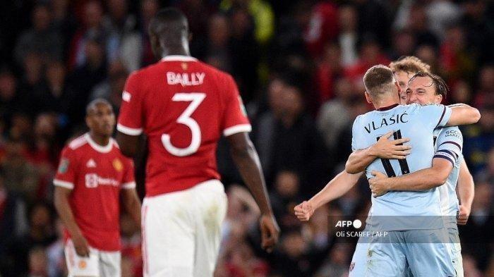 Hasil Liga Inggris: Meski Tipis MU Dipermalukan West Ham di Old Trafford, Solskjaer Dinilai Lambat