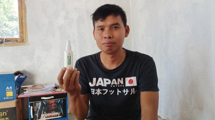 Guru Honorer Gaji Rendah Warnai Hardiknas di Indramayu, Jualan Skincare Untuk Tambah Pendapatan