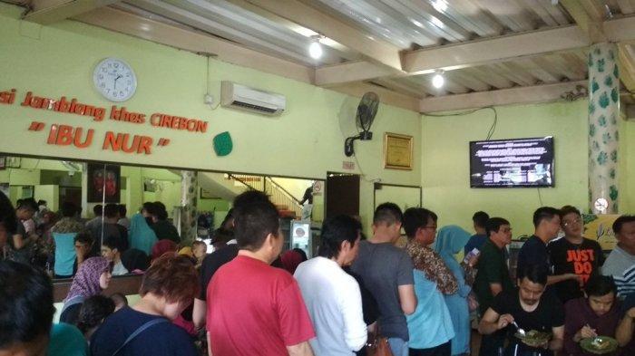 Anda Lagi Nikmati Akhir Pekan di Cirebon? 5 Tempat Makan Nasi Jamblang Ini Wajib Dikunjungi