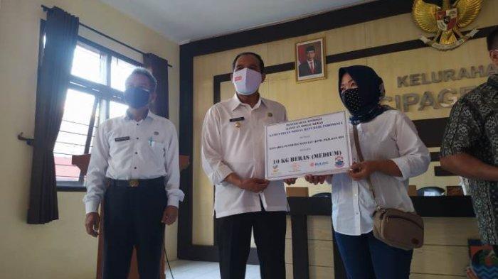 Kota Cimahi Berlakukan PPKM Level 4, Bansos Mulai Disalurkan Kepada Warga