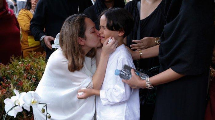 Ciuman Terakhir BCL untuk Ashraf Sinclair: Kamu Enggak Usah Khawatir, Aku dan Noah akan Jaga Diri