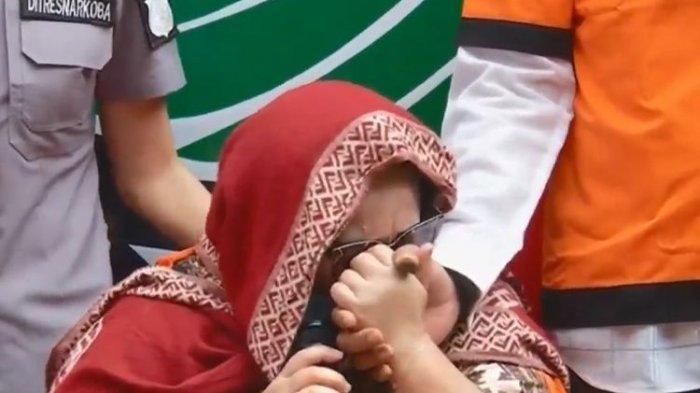 Nunung Menangis Sambil Minta Maaf Kepada Ibu, Keluarga Besar, Netizen dan Penggemar, Ini Videonya