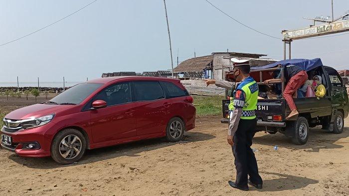 Pantai Karangsong Indramayu Tutup Sementara, Wisatawan Terpaksa Putar Balik, Pengelola Rugi Besar