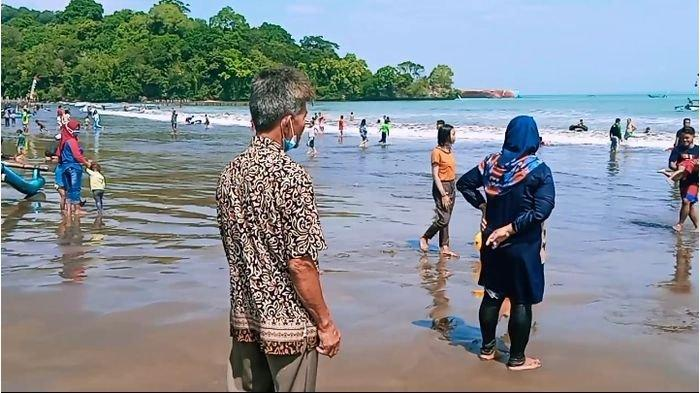 Wisata di Pangandaran Dibuka, Para Pelaku Usaha di Lokasi Wisata Jadi Garda Terdepan Prokes Covid-19