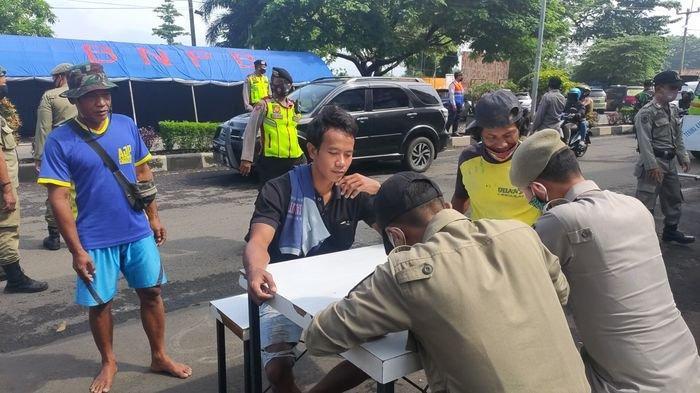 Hari ke-2 PSBB Proporsional di Majalengka, Petugas Gabungan Masih Temukan Pelanggar Prokes