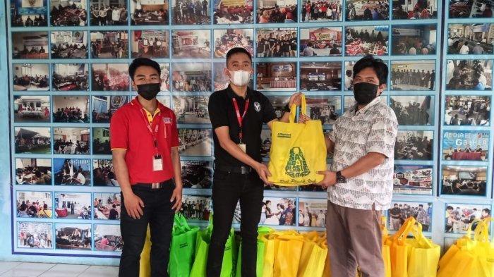 Ramadan Kali Ini Alfamart dan Forum BUMD Bagi-bagi Sembako untuk Wartawan PWI Majalengka