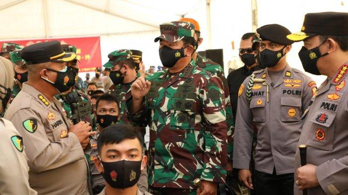 Panglima TNI dan Kapolri Tinjau Vaksinasi Prajurit TNI & Polri di Polda Kepri, 'Kalian Ujung Tombak'
