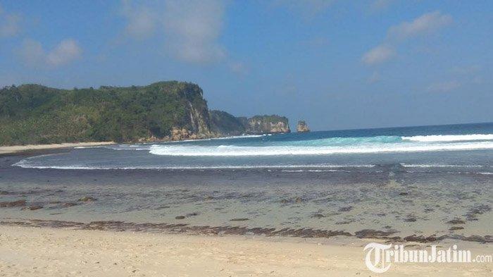 Pantai Sanggar Tulungagung, Persinggahan untuk Nikmati Eksotisnya Rangkaian Empat Pantai Perawan