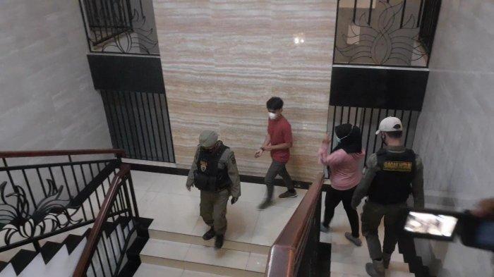 Janjian Mandi Bareng di Hotel, Pasangan Remaja Ini Ngaku Suami Istri Saat Terjaring Razia Satpol PP