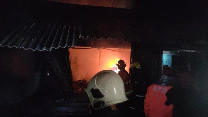 4 Kios Ludes Terbakar Polisi akan Selidiki Penyebab Kebakaran Pasar Cigasong Majalengka