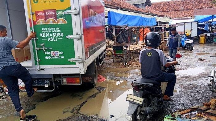 Pedagang di Pasar Baru Indramayu Resah Karena Pasar Kumuh, Minta Segera Direlokasi ke Lokasi Baru