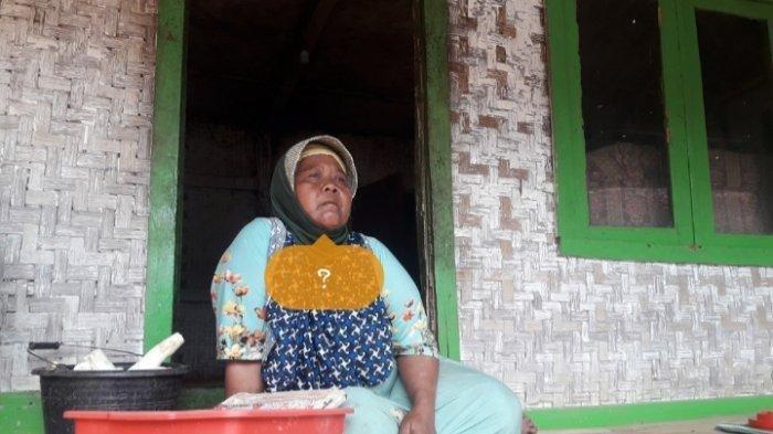Pasutri di Sumedang Ini Terpaksa Puluhan Tahun Tinggal di Rumah Butut, Sudah Lapuk Kalau Hujan Bocor