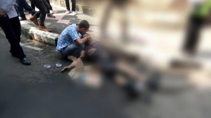 INI Sosok Pelajar Penolong Polisi yang Terkapar di Trotoar Akibat Terbakar