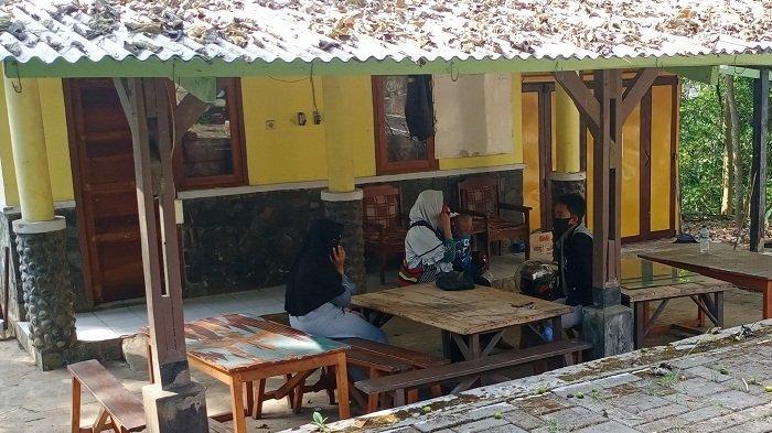 Sepasang Pelajar Kuningan Kepergok Asyik Tak Senonoh di Hutan: Tadi Berpelukan Gitu