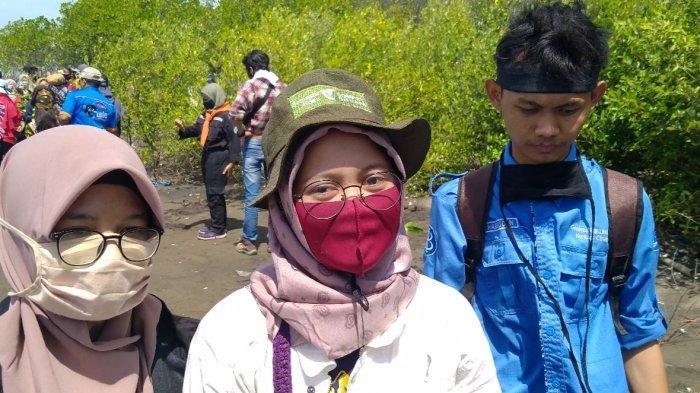 Cerita Mahasiswa Belajar di Hutan Mangrove Indramayu, Sempat Mabuk Laut Naik Perahu Menyusuri Sungai