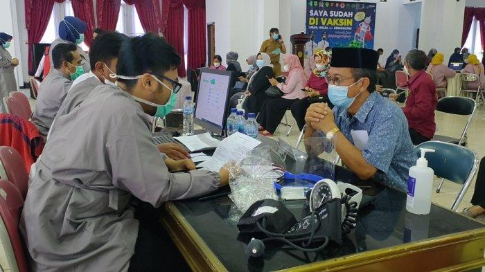 Ribuan Guru SMP di Majalengka Jalani Vaksinasi Covid-19 Jelang Pembelajaran Tatap Muka