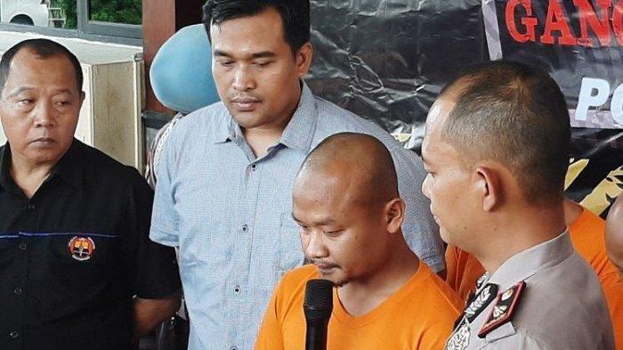 Sambil Bertasbih dan Menangis, Pembina Pramuka SMPN 1 Turi Memohon Maaf Kepada Keluarga Korban