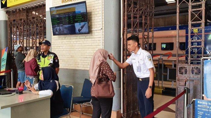 Langkah Preventif PT KAI Daop 3 Cirebon dalam Perangi Virus Corona, Jamin Kebersihan Seluruh Sarana