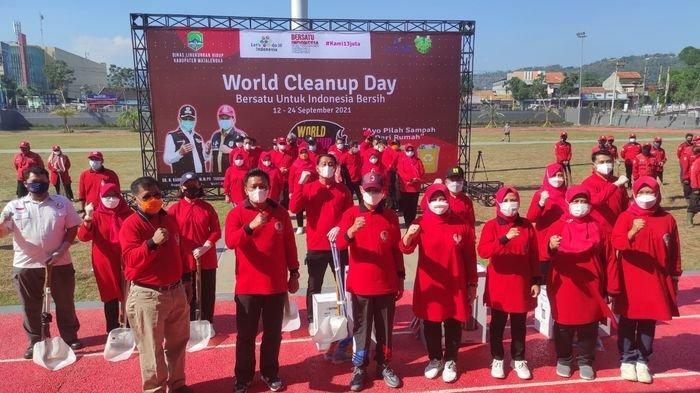 Peringatan World Cleanup Day 2021, Masyarakat Majalengka Diajak Biasakan Memilah Sampah