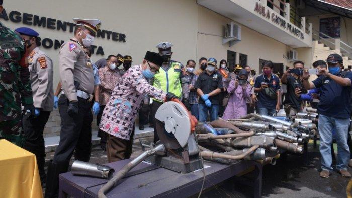 Satlantas Polres Cirebon Kota Musnahkan 110 Knalpot Bising