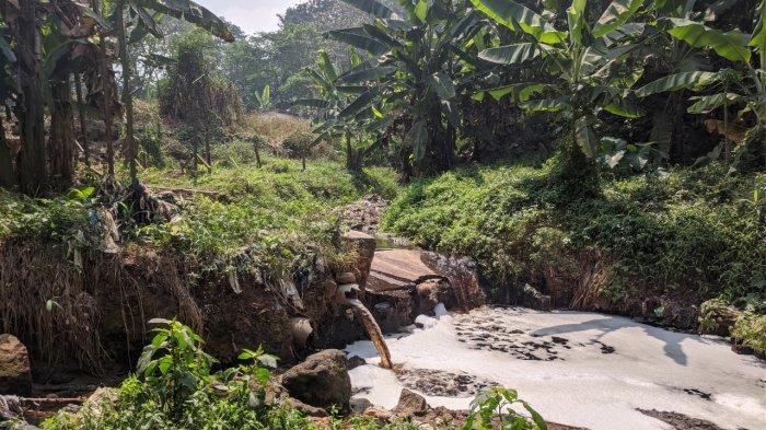 Walhi Jabar Soroti Cairan Sampah dari TPA Sarimukti Mengalir ke Anak Sungai Citarum Sungai Cipicung