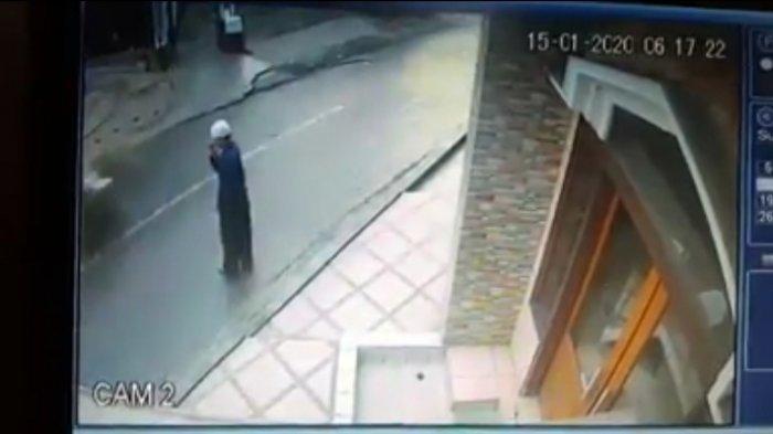 AKSI Komplotan Pencuri Kotak Amal Masjid di Lembang Terekam CCTV, Warga Resah Minta Polisi Bertindak