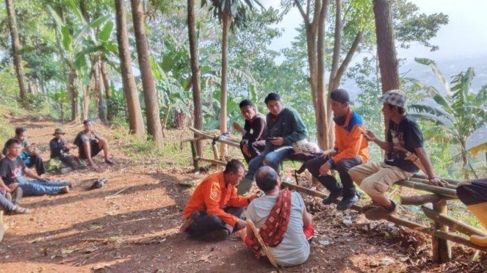 Hilang di Gunung Geulis Pria Ini Bertahan Hidup dengan Minum Air Kencing Sendiri, Ditemukan Lemas