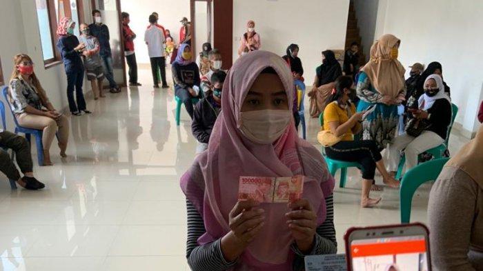Pendistribusian Bansos Tahap IV Provinsi Jabar Tetap Menerapkan Protokol Kesehatan Covid-19