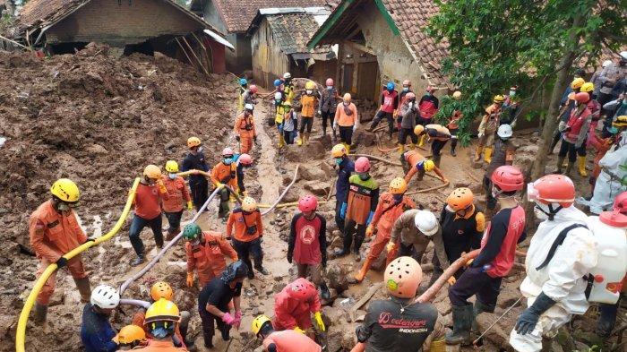 Operasi SAR di Lokasi Longsor Cimanggung Diperpanjang 3 Hari, Sampai Kini 16 Korban Belum Ditemukan