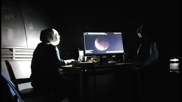 Pengamatan Gerhana Bulan di Lapan Sumedang Sempat Terhalang Gunung, Ini Yang Bisa Dilakukan Pengamat