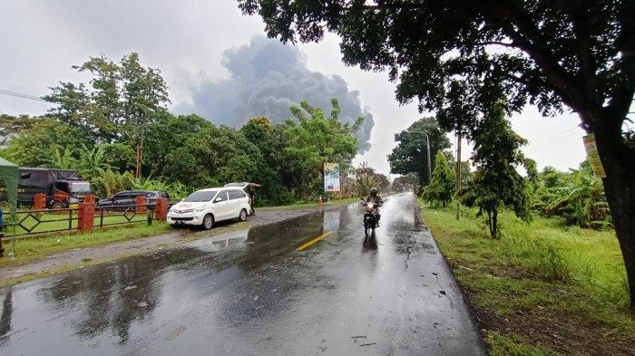 Jalur Indramayu-Cirebon Sudah Bisa Diakses, Tapi Selektif Karena Api di Kilang Balongan Belum Padam