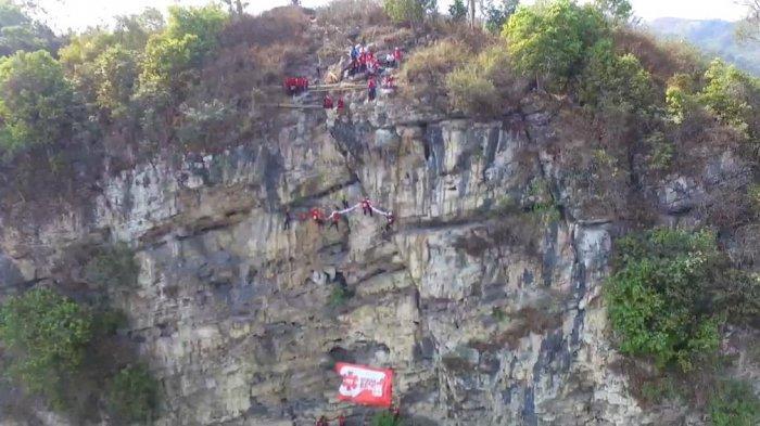 Tali Tiba-tiba Putus, Polisi Berpangkat AKBP Tewas Saat Turun dari Gunung Parang, di Depan Sang Anak