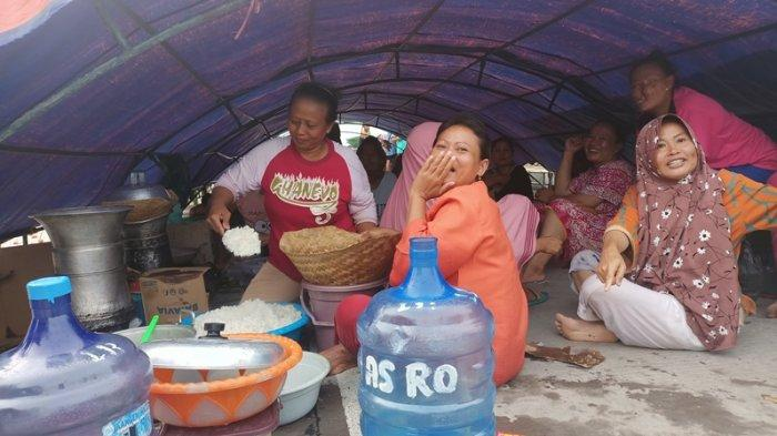Pengungsi Banjir di Indramayu Mulai Kena Penyakit, Paling Umum Menyerang Gatal-gatal, Diare, Demam