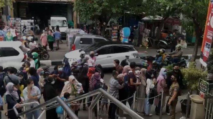 Membludak Pengunjung yang Ingin Berbelanja di Yogya Kepatihan Dibatasi Maksimal 2 Jam